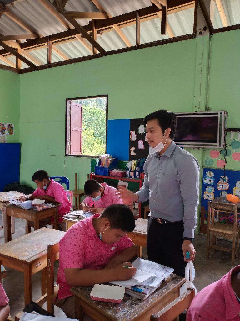 บริการวิชาการรับใช้สังคม มิติด้านสุขภาพกับโครงการควบคุมและป้องกันโรคหนอนพยาธิในเด็กนักเรียน โรงเรียนวัดยางงาม อ.ท่าศาลา จ.นครศรีธรรมราช